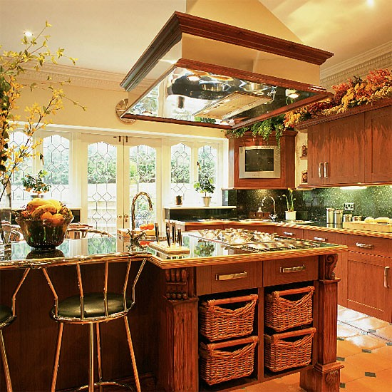 Pale Yellow Country Kitchen: Yellow Kitchen With Wooden Units