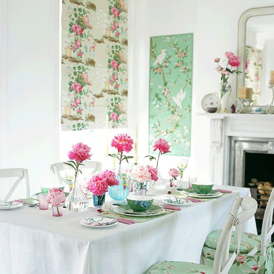 Dining Rooms From The Orient: Dining Room With Oriental-style Wall Panels