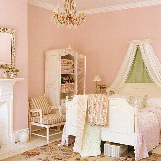 Colorful Vintage Room: Pastel Bedroom With Canopied Bed And Needlework