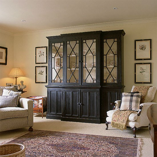 Traditional Living Room Furniture Ideas: Neutral Traditional Living Room