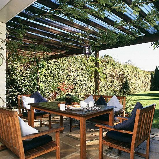 Outdoor Dining Area Ideas: Garden Dining Area