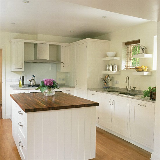 Kitchen Cabinets Shaker: Shaker-style Kitchen With Granite And Wooden Worktops