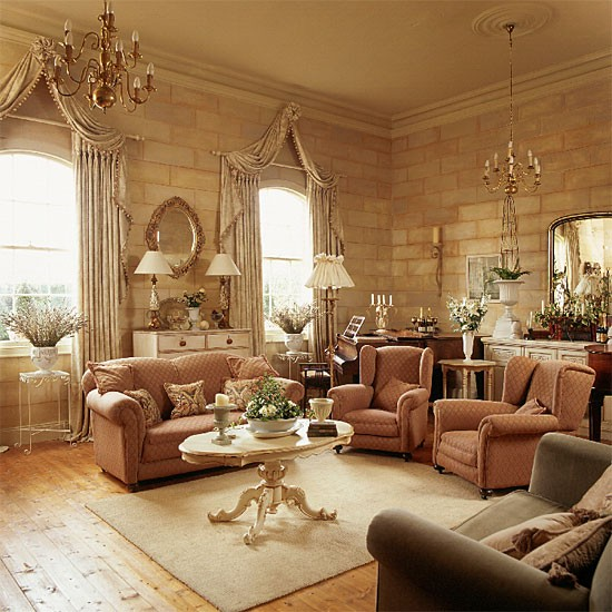 Living Room Home Decorating Ideas: Traditional Living Room