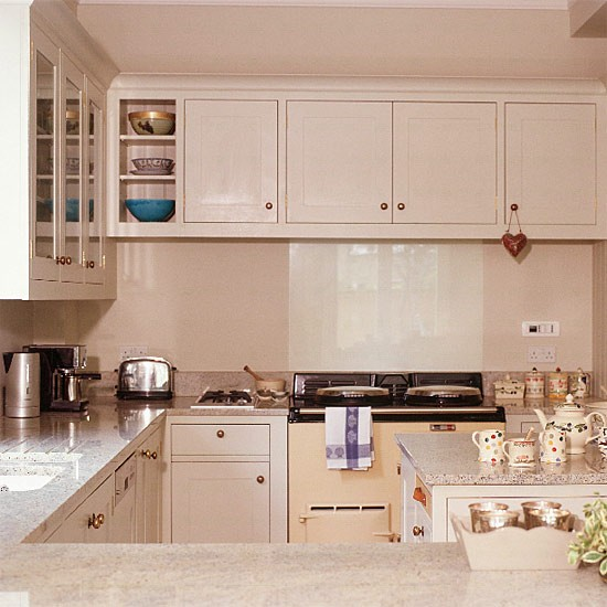 27 Space Saving Design Ideas For Small Kitchens: Small, Space-saving Kitchen