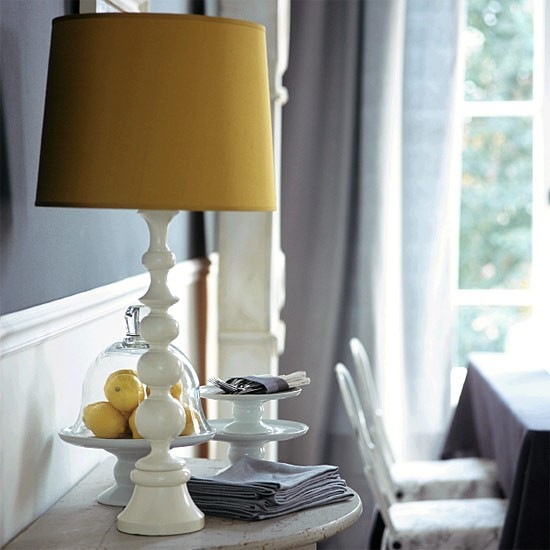 Living Room Lamp Shades: Lamp Shade And Side Table