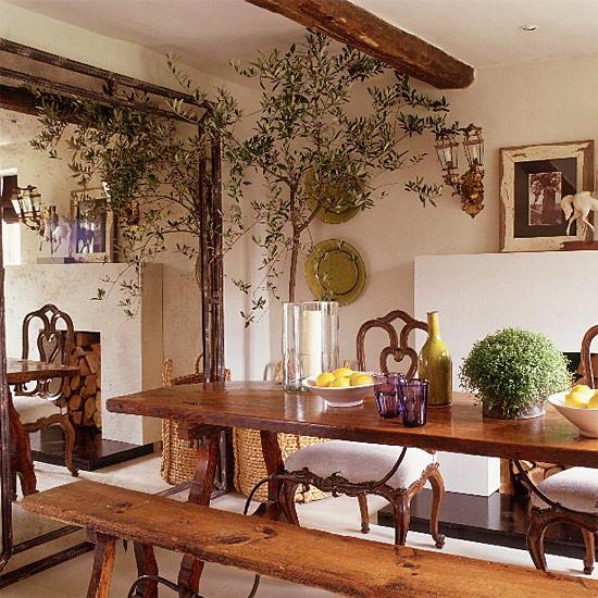 Mediterranean Dining Room: Mediterranean-style Dining Room