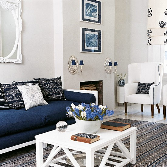 New House Decorating Ideas: Navy Blue And White Living Room Design