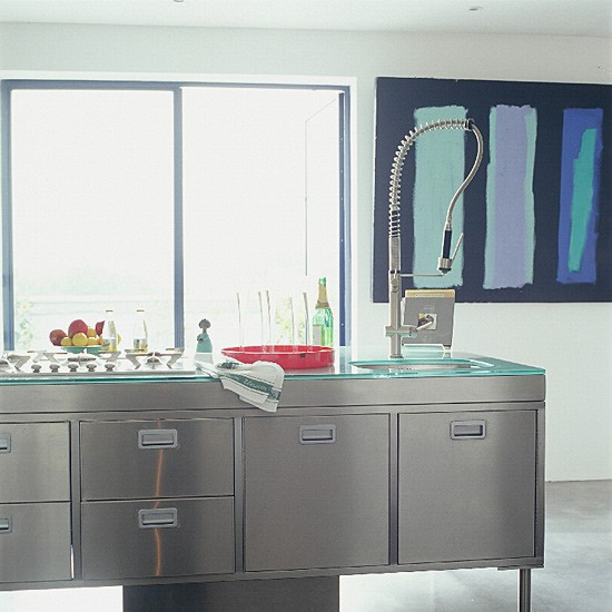 Stainless Steel Kitchen Unit: Contemporary Kitchen With Stainless Steel Units