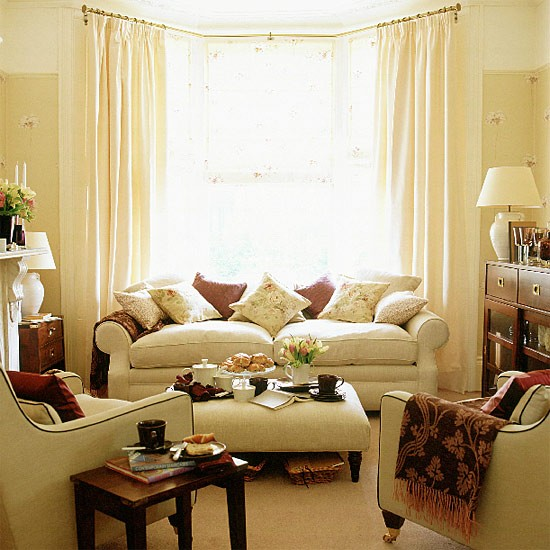 Neutral Living Room Ideas: Living Room With Brown Accents