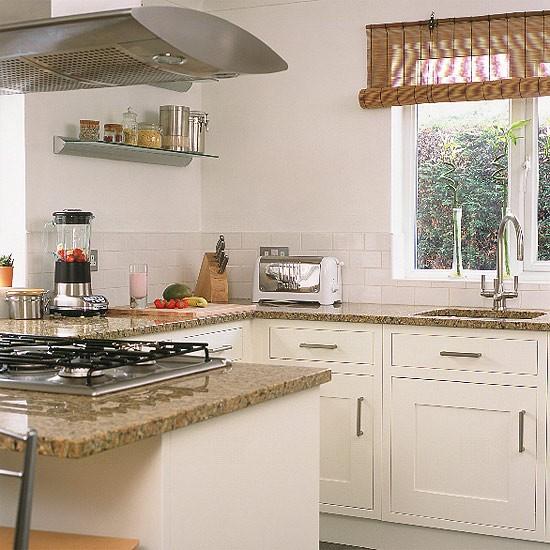 Small Kitchen Design Ideas Uk: Small White Kitchen