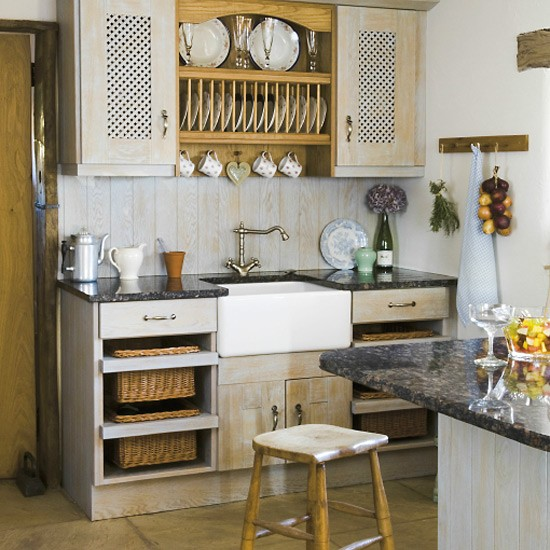 Old Country Kitchen Cabinets: Farmhouse Kitchen