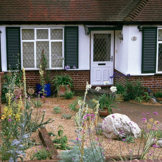 Front Garden With Planting In Gravel