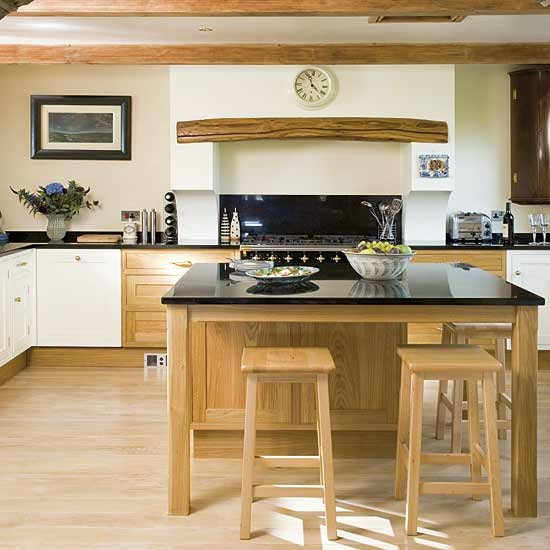 Ideas For Kitchen With Oak Cabinets: Classic Oak Kitchen