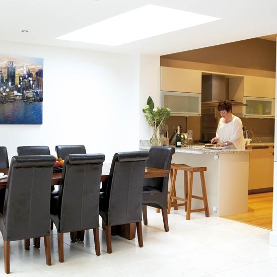 Modern Open Plan Kitchen Design: Modern Kitchen With Open Design And Dining Table