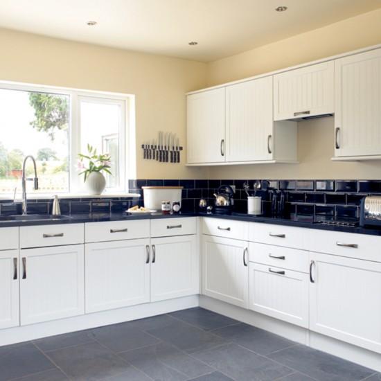 White Kitchen Flooring Ideas: Black And White Kitchen