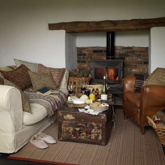 Country Living Room Decorating: Comfortable Country Living Room