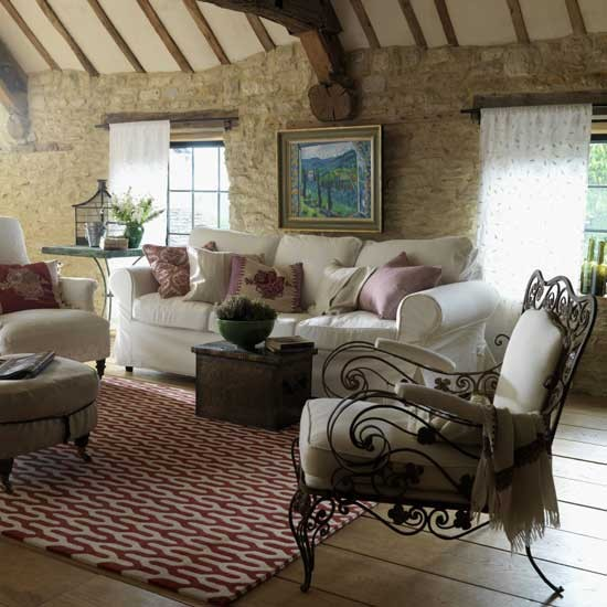 Country Farmhouse Living Room: Provencal-style Living Room