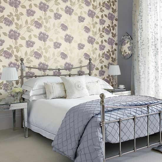 Bedroom Wallpapers 10 Of The Best: Bedroom With Large Patterned Wallpaper