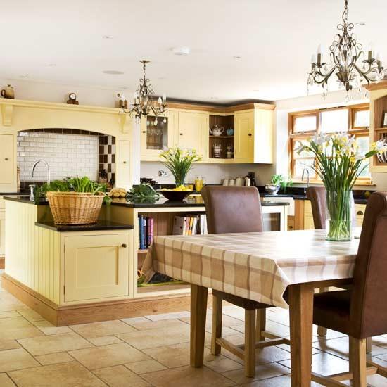 Kitchen Decorating Ideas: Cream-painted Farmhouse Kitchen-diner