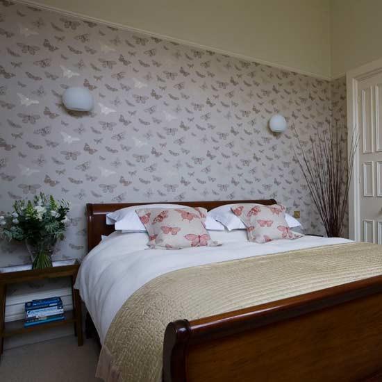 Butterfly bedroom | Feminine bedroom | Statement wallpaper ...