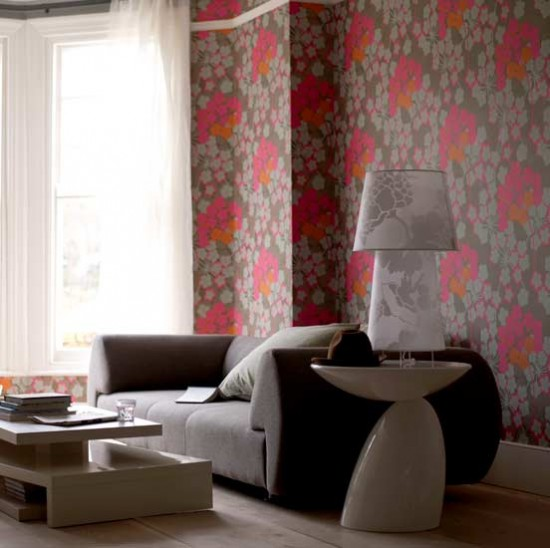 Bold Room Designs: Bold Floral Wallpaper Living Room