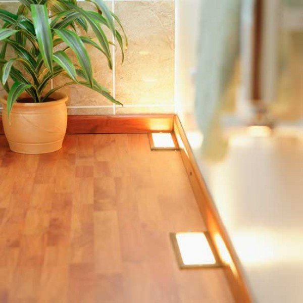 Can I Use Laminate Flooring In A Bathroom: How To Buy Laminate Flooring