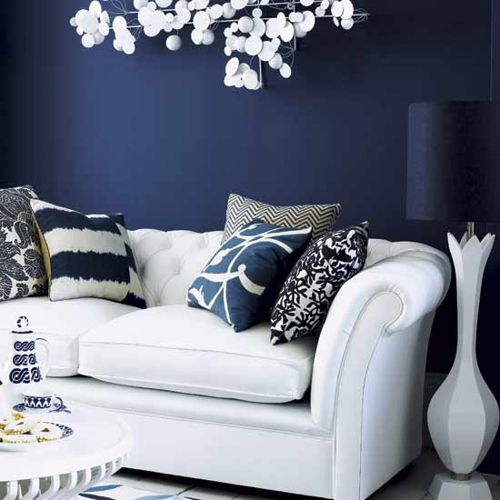 Dark Blue Wall: Play With Dark Colours On The Wall