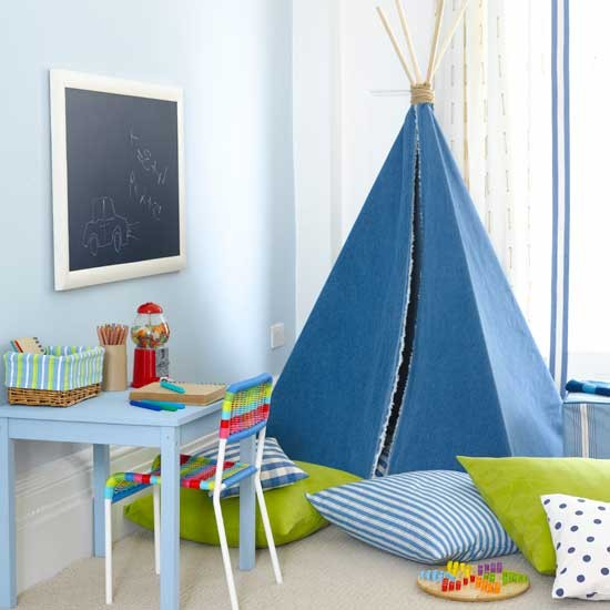 Funky Bedroom Decor: Boys' Bedroom With Funky Teepee