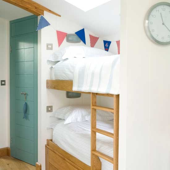 Small Box Room Cabin Bed For Grandma: Calming Boys' Bedroom With Bunting