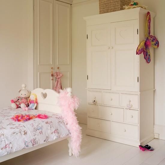 Girly Girl Bedroom Designs: Relaxing Girly Bedroom