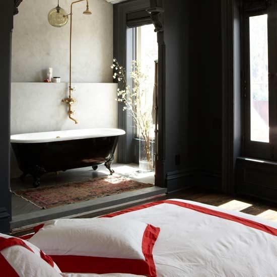 Bedroom With Ensuite Bathroom: Luxurious Open-plan Bedroom