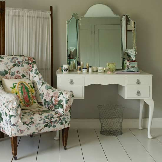 Bedroom dressing table area | White bedroom ideas ...