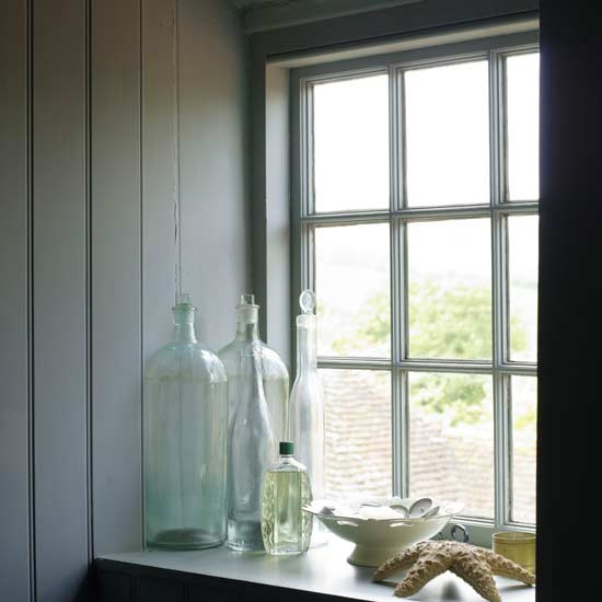 Paint Window Sill Interior: Bathroom Windowsill