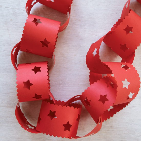 Decorative paperchains | How to make Christmas decorations ...