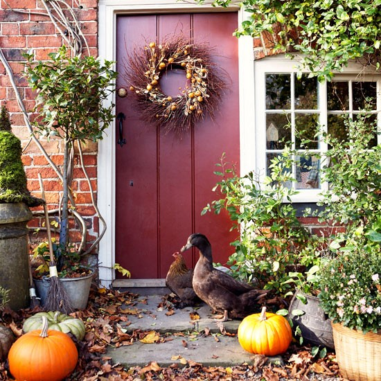 Country Front Door Decorations: Country-style Decorating