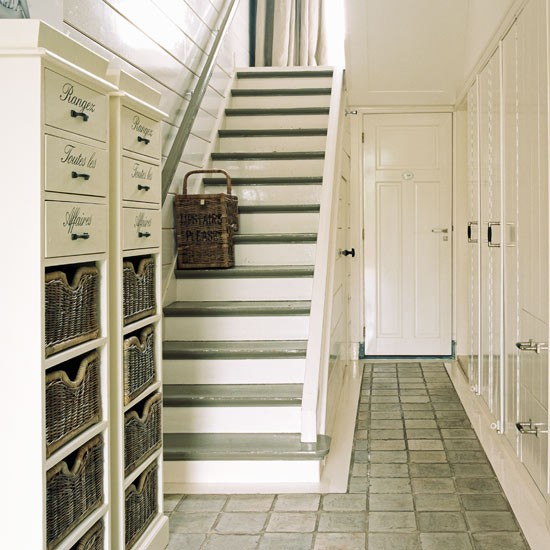 Dining Room Storage Ideas To Keep Your Scheme Clutter Free: Clutter Free Hallway Storage
