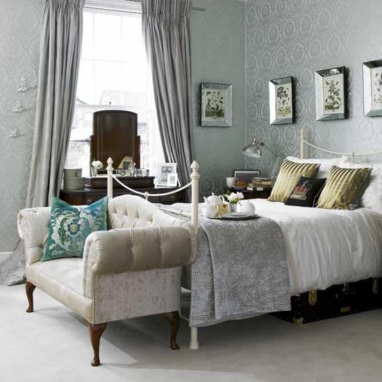 damask wallpaper bedroom bedroom ideas sofa. Black Bedroom Furniture Sets. Home Design Ideas