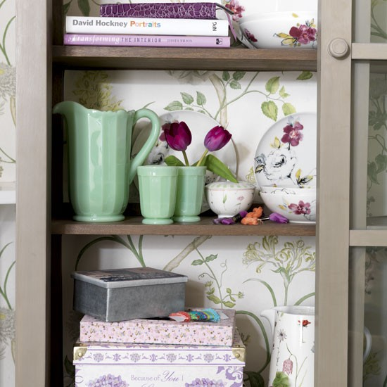 Kitchen Cabinet Displays: Storage Soloutions