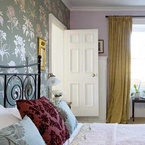 Bedroom with feature wall | Bedroom designs | Wallpaper ...