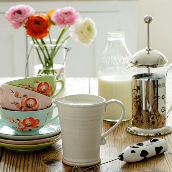 Bright crockery | Country kitchen accessories | Country kitchens - Crockery Modern