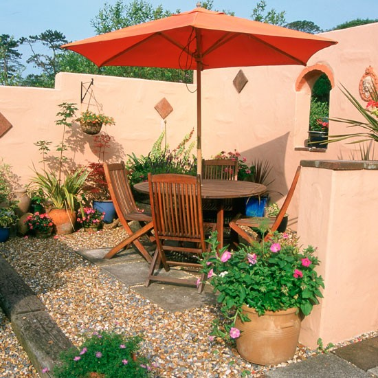 Mediterranean Style Landscaping: Garden Furniture