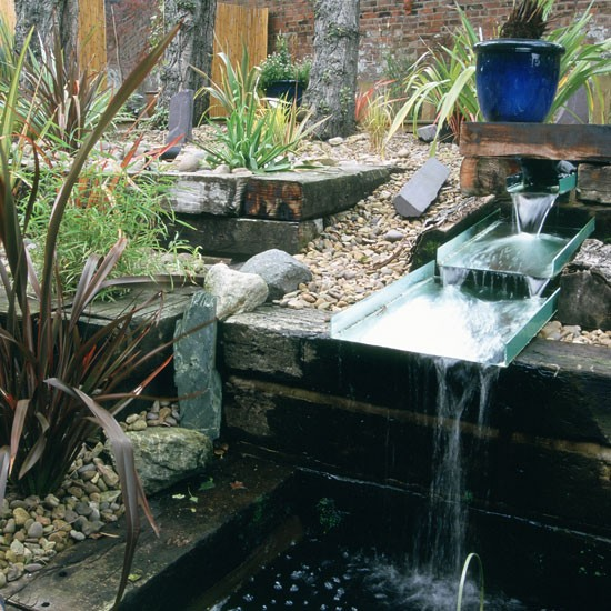 Unusual Garden Ideas: Garden Water Feature