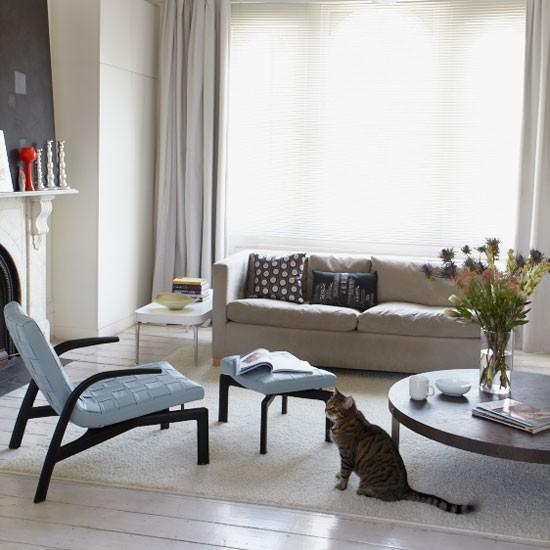 Minimal Living Room Inspiration: Minimalist Living Room