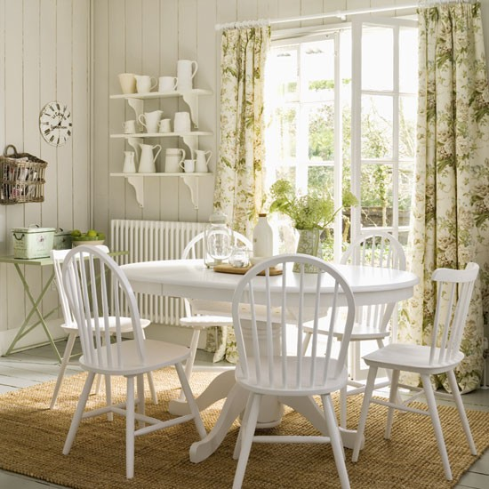 Retro Dining Room Chairs: Vintage-style Dining Room