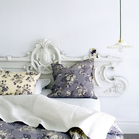 Classic Bedroom Decorating Ideas: Classic French-style Bedroom