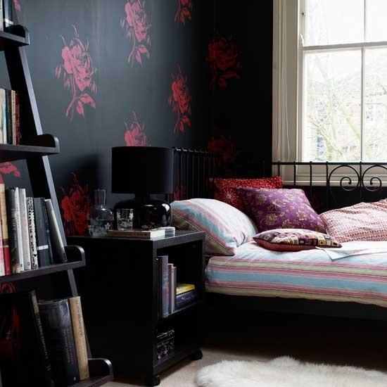 Bedroom Wallpaper Designs Black And White Bedroom Furniture For Teenagers Bedroom Door Curtains Diy Kids Bedroom Decor: Bedroom With Black Wallpaper
