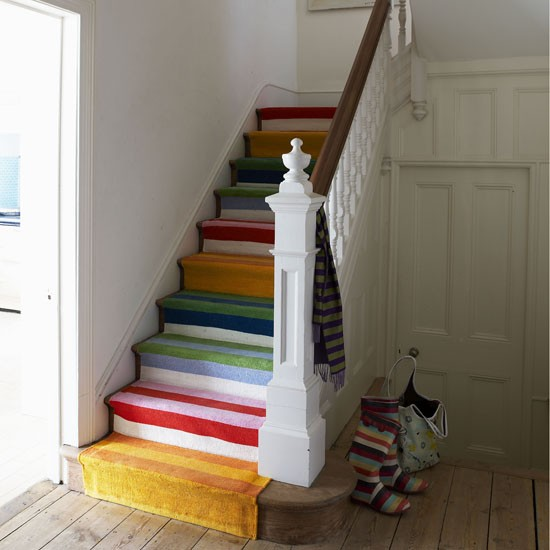 25 Stair Design Ideas For Your Home: Modern Hallway With Stripy Stairs
