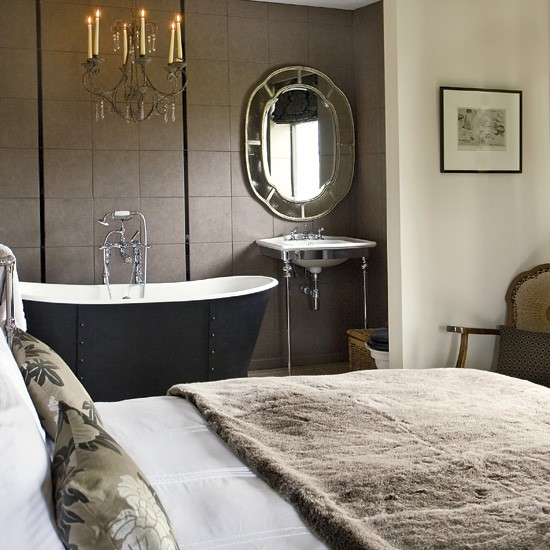 Bedroom With Ensuite Bathroom: Glamorous Open-plan Bedroom