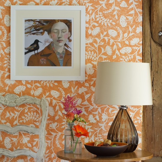 The Homify Guide To Choosing Hallway Wallpaper: Country Hallway With Floral Wallpaper