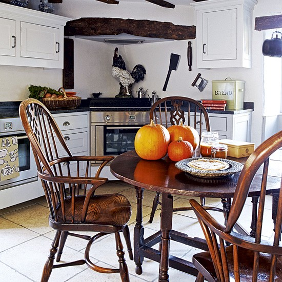 Country Kitchen Table And Chairs: Country Kitchen-diner